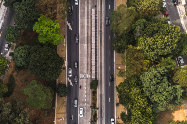 Top View of Avenida Nove de Julho in Sao Paulo city, Brazil:スマホ壁紙(壁紙.com)