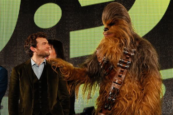 1人「Solo: A Star Wars Story Tokyo Premiere」:写真・画像(12)[壁紙.com]
