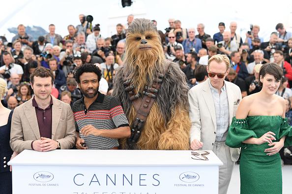 フォトコール「'Solo:  A Star Wars Story' Photocall - The 71st Annual Cannes Film Festival」:写真・画像(11)[壁紙.com]