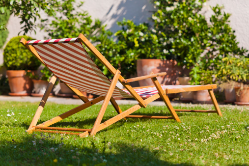 Deck Chair「Germany, Stuttgart, Sun lounger in garden」:スマホ壁紙(6)