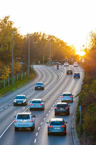 Back Lit「Germany, Stuttgart, Cars on highway at sunset」:スマホ壁紙(4)