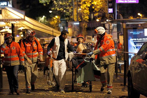 パリ「Many Dead After Multiple Shootings In Paris」:写真・画像(5)[壁紙.com]
