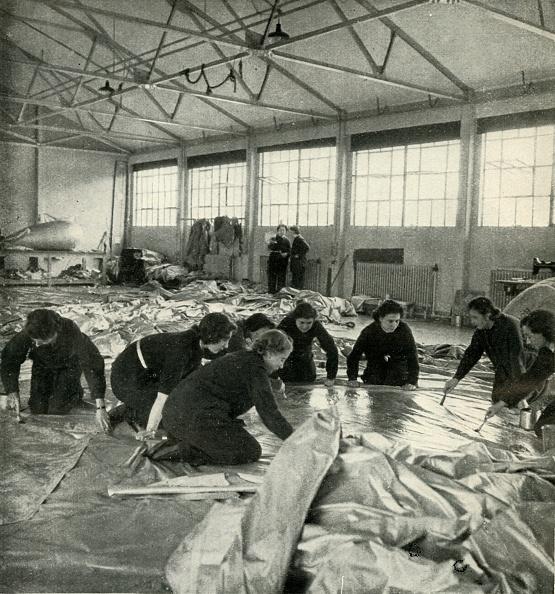 WAAF「Balloon Fabric Workers」:写真・画像(5)[壁紙.com]