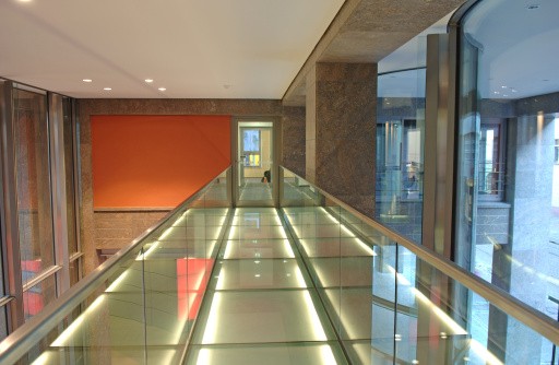 Elevated Walkway「Modern flooring of a hallway in a finance building」:スマホ壁紙(15)