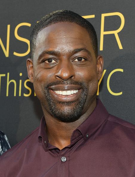 カメラ目線「FYC Panel Event For 20th Century Fox And NBC's 'This Is Us' - Red Carpet」:写真・画像(8)[壁紙.com]