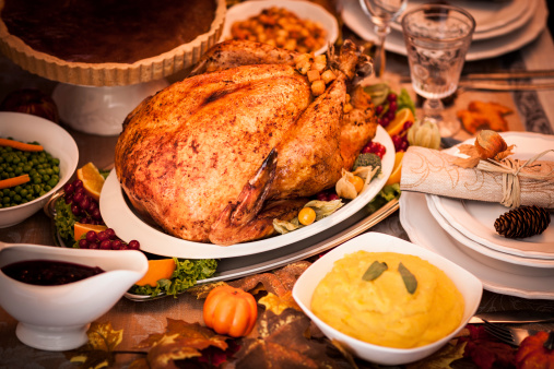 Stuffed Turkey「Holiday Dinner with Stuffed Turkey and Side Dishes」:スマホ壁紙(5)