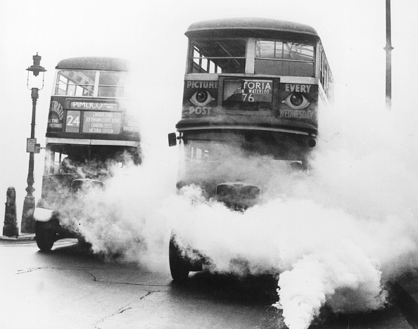 Bus「Smoking Buses」:写真・画像(8)[壁紙.com]