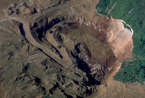 Bauxite「Over a Bauxite Mine」:スマホ壁紙(14)