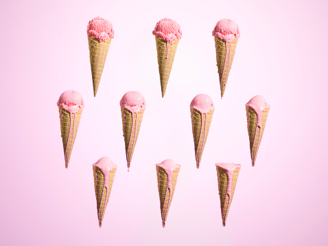 Strawberry Ice Cream「Melting ice cream at different stages」:スマホ壁紙(9)