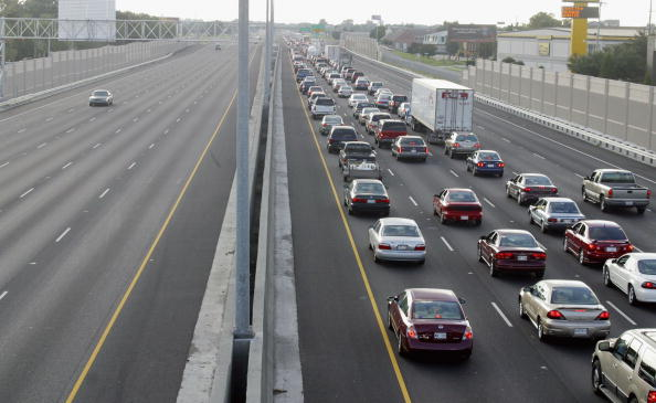 Traffic「Gulf Coast Residents Brace For Hurricane Ivan」:写真・画像(0)[壁紙.com]