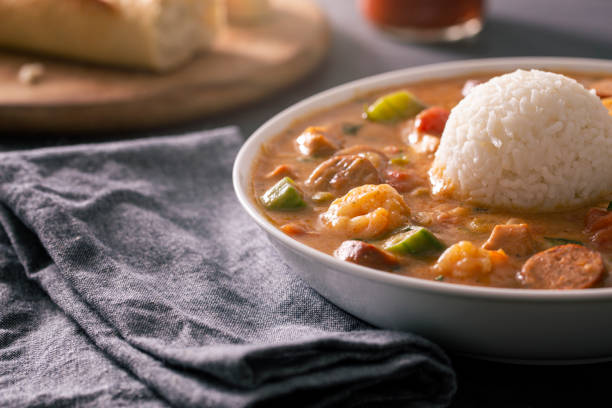 New Orleans Cajun Gumbo With Shrimp, Andouille, and Chicken:スマホ壁紙(壁紙.com)