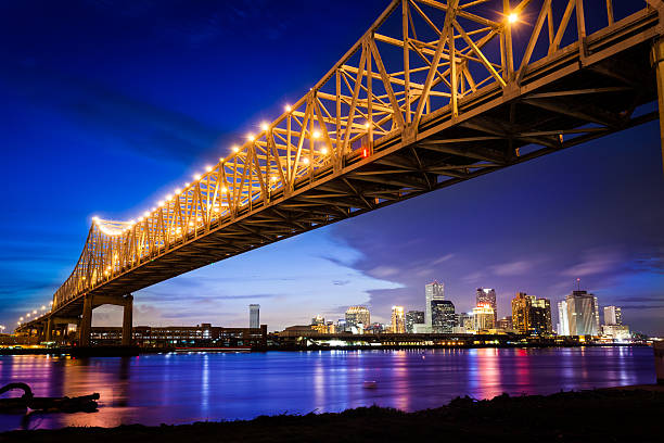 New Orleans Skyline at Night, Louisiana, USA:スマホ壁紙(壁紙.com)