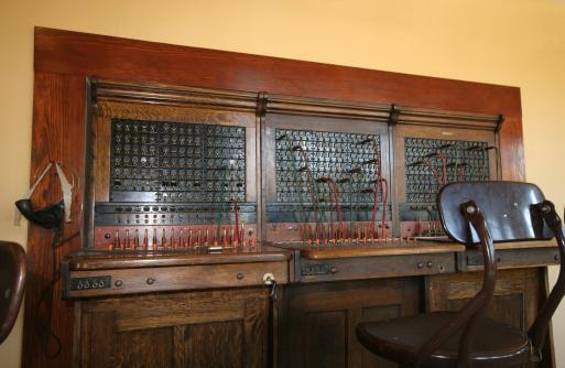 1900「Switchboard」:スマホ壁紙(2)