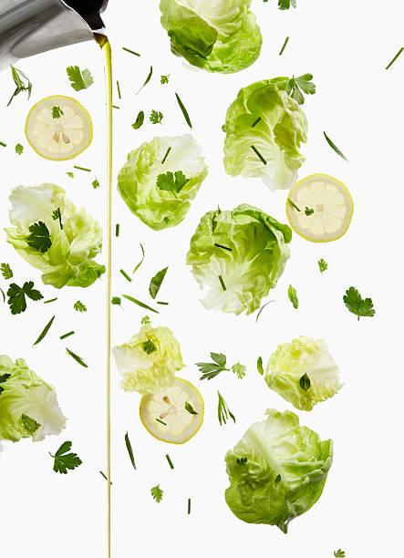 Lettuce, Lemon, and Oil Dressing Pour:スマホ壁紙(壁紙.com)