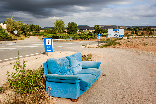 Camino De Santiago「Old sofa on the road, Way of St. James, La Rioja, Camino de Santiago, Spain」:スマホ壁紙(3)