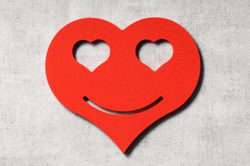 ハート「Love」:スマホ壁紙(4)