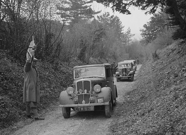Routine「Standard 1935 Vehicle Reg」:写真・画像(0)[壁紙.com]