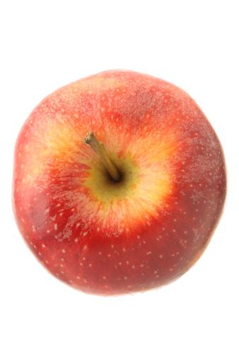 リンゴ「レッドアップルから白の高角度のビュー」:スマホ壁紙(6)