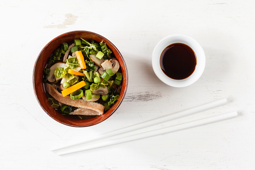Soy Sauce「Bowl of miso soup with carrots, champignons and savoy」:スマホ壁紙(14)