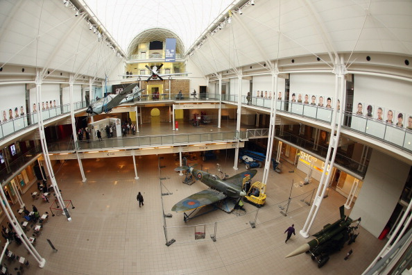 Ceiling「Battle Of Britain Spitfire Removed As Imperial War Museum Refurbishments Continue」:写真・画像(6)[壁紙.com]