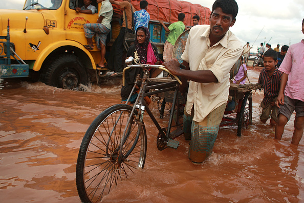 Bangladesh「Navigating Water Is A Daily Attribute Of Life For Residents Of Chittagong」:写真・画像(14)[壁紙.com]