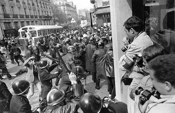 Reg Lancaster「Paris Riots」:写真・画像(14)[壁紙.com]