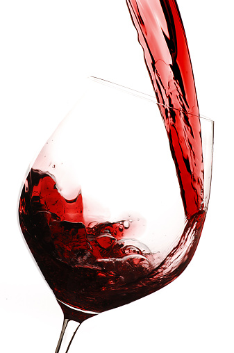 Pouring「Red wine being poured into wine glass」:スマホ壁紙(10)