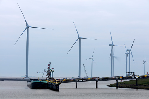 North Holland「Wind Turbines, Barge With Liquid Cargo and Pipeline」:スマホ壁紙(14)