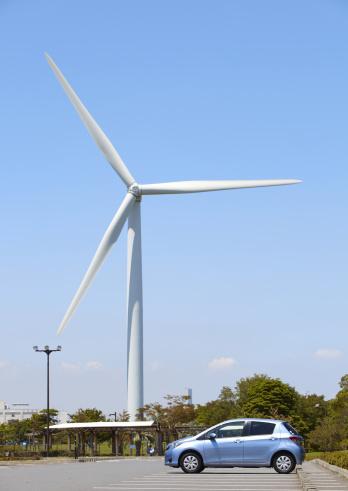 Japan「Wind turbine and a car」:スマホ壁紙(15)