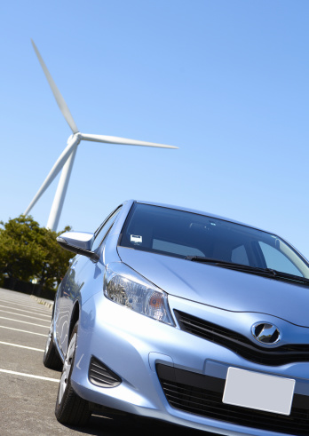 Japan「Wind turbine and a car」:スマホ壁紙(11)