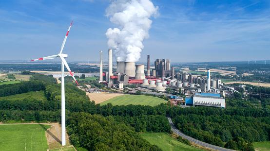 Wind Turbine「Wind turbine and coal power station」:スマホ壁紙(3)