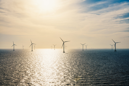 Mill「Wind turbines on the ocean.」:スマホ壁紙(4)
