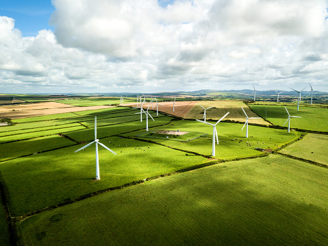 Mill「Wind turbine fields in Cornwall」:スマホ壁紙(9)