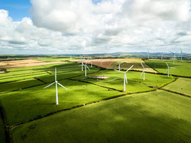 Wind turbine fields in Cornwall:スマホ壁紙(壁紙.com)