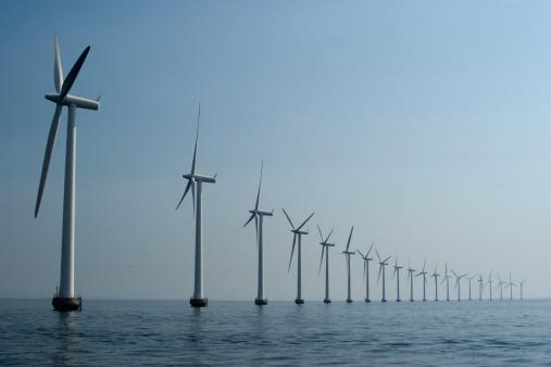 Denmark「Wind turbines in a row at the ocean outside Copenhagen」:スマホ壁紙(15)