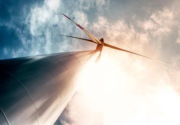 Wind turbine in backlight:スマホ壁紙(壁紙.com)