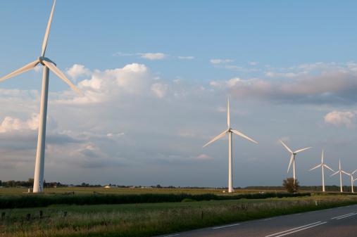 Cylinder Configuration「Wind turbines amidst the Dutch Countryside」:スマホ壁紙(13)
