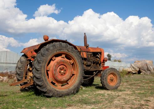 Turkey - Bird「Old tractor on Farm」:スマホ壁紙(16)