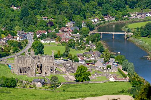 Abbey - Monastery「South East Wales」:スマホ壁紙(1)