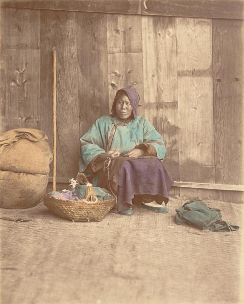 Topics「[Chinese Woman Sitting With Basket]」:写真・画像(7)[壁紙.com]