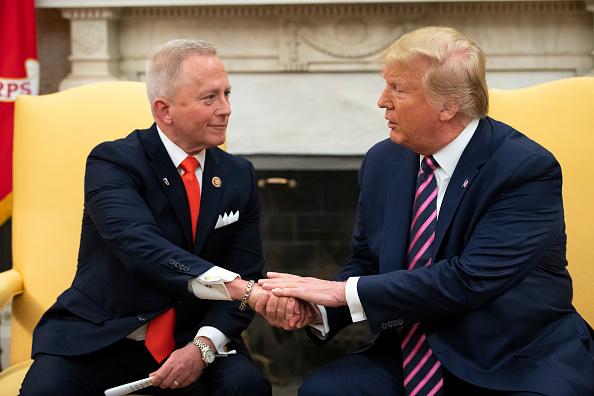 Drew Angerer「President Trump Meets With NJ Congressman Jeff Van Drew」:写真・画像(0)[壁紙.com]