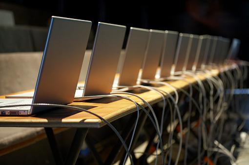 Workshop「Business conference with laptops」:スマホ壁紙(3)