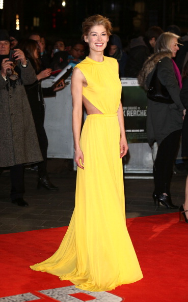 Yellow Dress「Jack Reacher - World Premiere - Red Carpet Arrivals」:写真・画像(8)[壁紙.com]