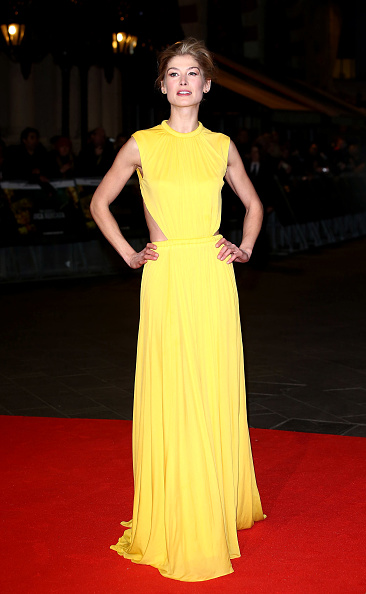 Yellow Dress「Jack Reacher - World Premiere - Red Carpet Arrivals」:写真・画像(14)[壁紙.com]