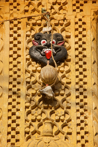 Good luck「Good luck charm on a door, Jaisalmer, Rajasthan」:スマホ壁紙(4)