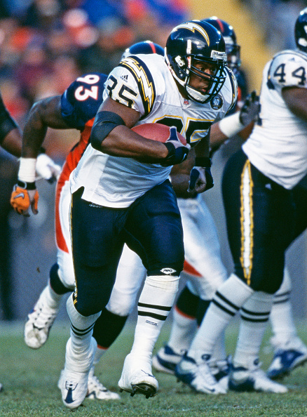 Running Back「San Diego Chargers vs Denver Broncos」:写真・画像(18)[壁紙.com]