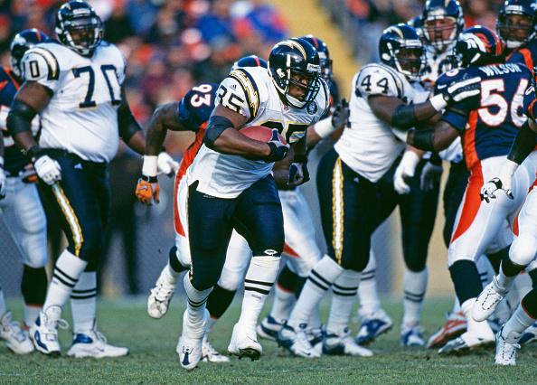 Running Back「San Diego Chargers vs Denver Broncos」:写真・画像(19)[壁紙.com]