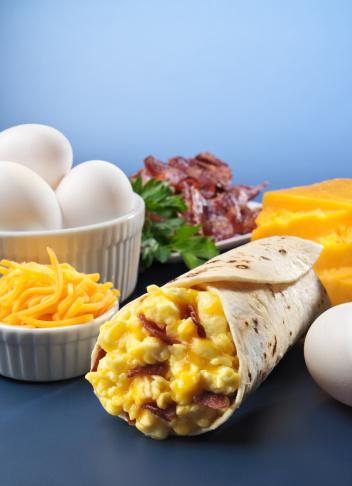 Tortilla - Flatbread「Egg and Bacon Breakfast Burrito」:スマホ壁紙(3)