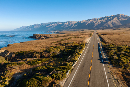 Big Sur「Big Sur road and coastline aerial view Road trip」:スマホ壁紙(7)