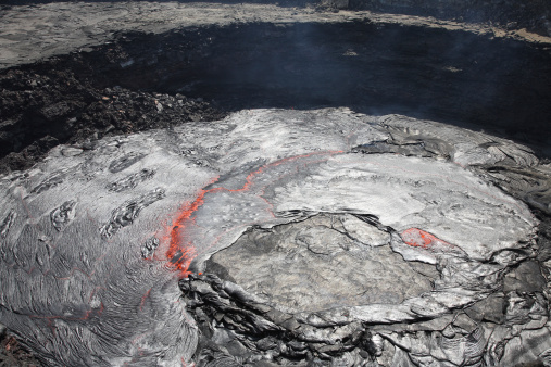 カルデラ「February 8, 2008 - Overflowing lava lake in pit crater, Erta Ale volcano, Afar region, Danakil Depression, Ethiopia.」:スマホ壁紙(19)